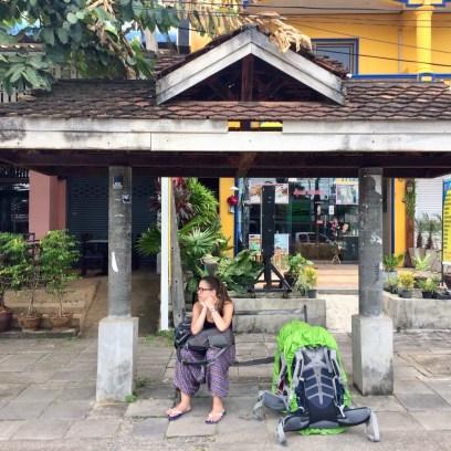 Ponto de ônibus, ônibus para Phuket
