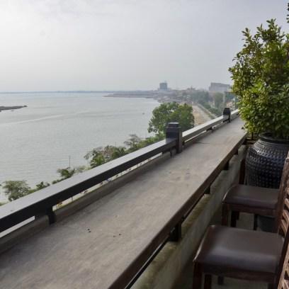 Detalhes do hotel Le Grand Mekong em Phnom Penh, no Camboja.