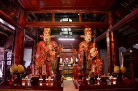 Altar do Templo da Literatura, Vietnã
