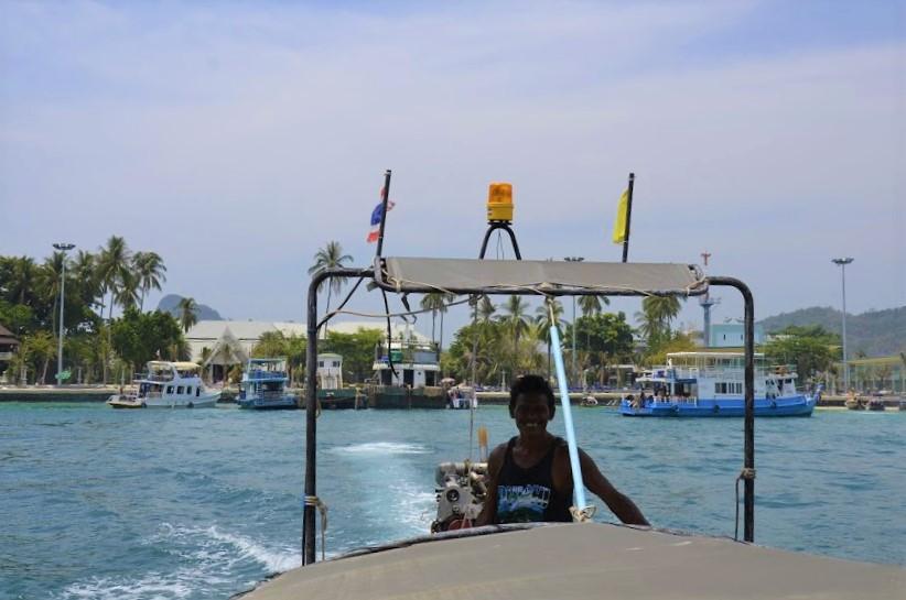 Passeio de barco para a Maya Bay