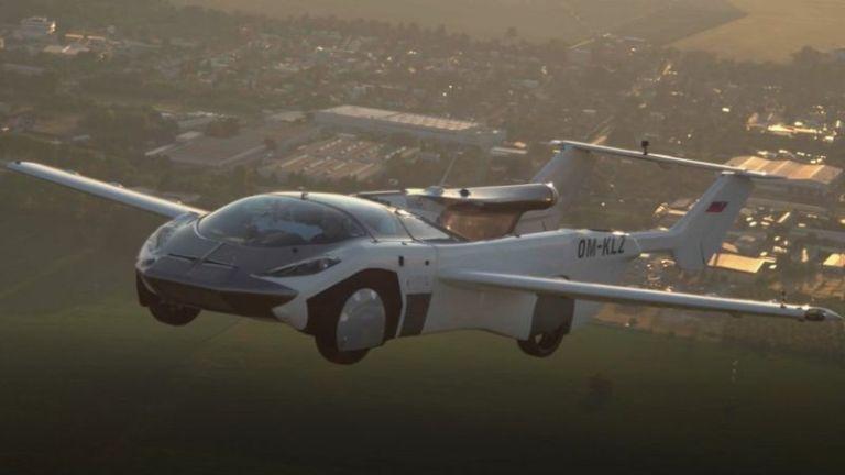स्लोभाकियामा हवाई कारको परीक्षण उडान सफल