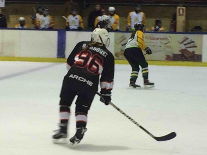 Hockey Hielo: Majadahonda Femenino gana al Boadilla (7-0) y el Masculino comparte su preparación