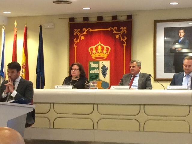 PSOE, Somos e IU pierden las mociones sobre paraísos fiscales, alcalde republicano, educación, sanidad y Cassandra Vera