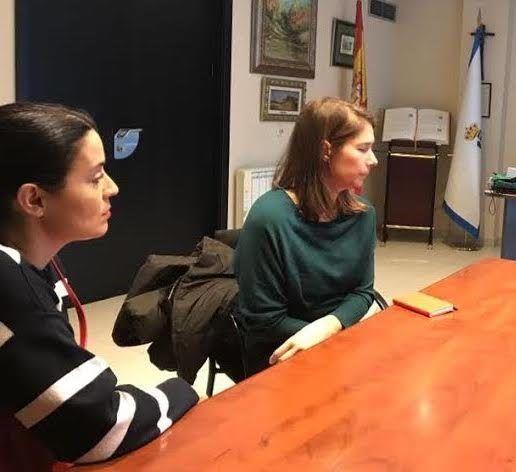 """Representantes de 3.000 vecinos de Roza Martín acusan a Cs de darles """"un mazazo"""" con el tanatorio"""