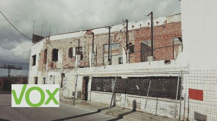 """Vox pide """"hacer algo"""" por las personas que viven en las ruinas del Hostal del Plantío"""