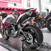 Benelli BN 600 4 Silinder DOHC pilihan 600cc Tahun 2013