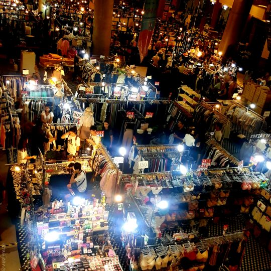best reasons to visit thailand- shopping