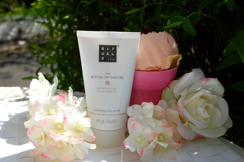rituals sakura collection- body scrub