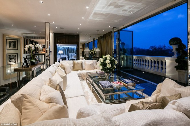 Tom Cruise London Majestic S International