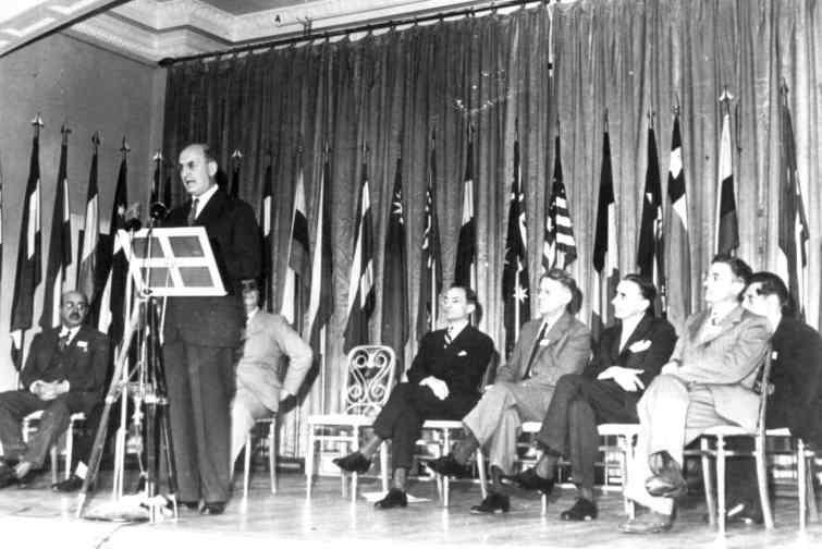 Les premiers pays africains à être devenus membres des institutions nées de Bretton Woods étaient :