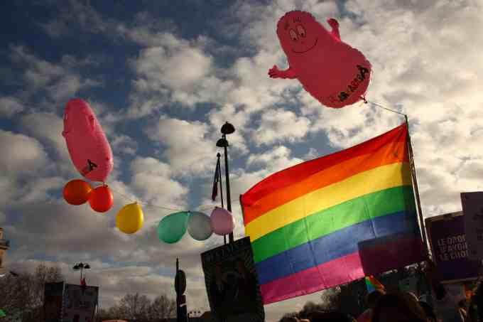 Quel est le pays du chef d'État qui a déclaré que l'homosexualité est une maladie dont il a été lui-même guéri ?