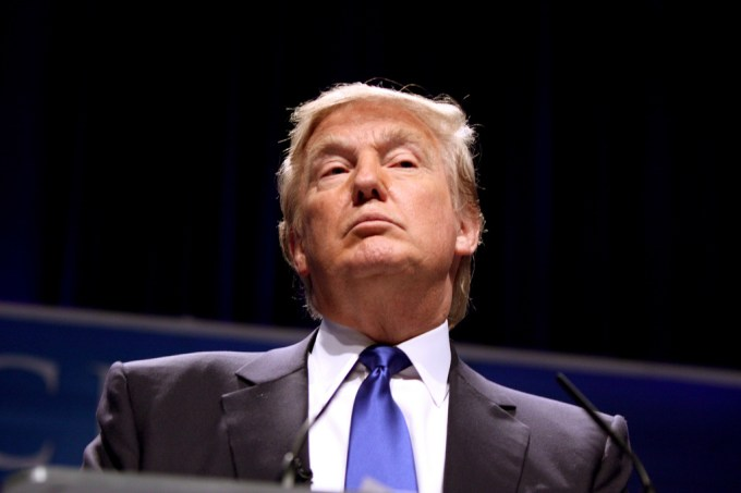 Quel chef d'Etat a été reçu par Trump à Washington samedi 11 février ?