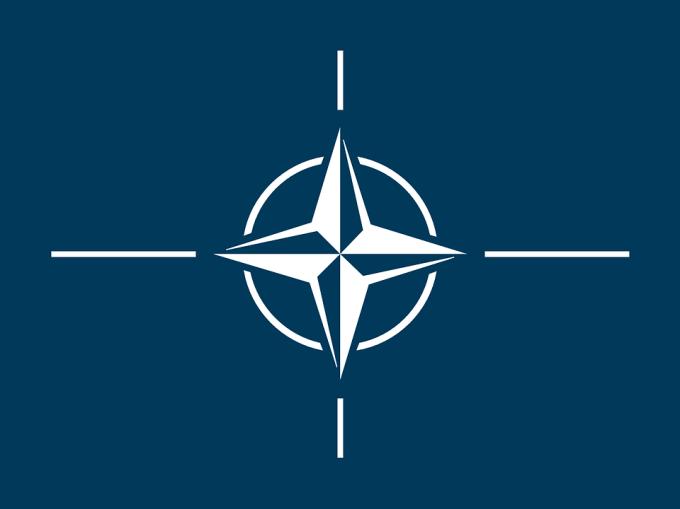 Qui a rassuré les pays membres de l'OTAN sur le rôle des Etats-Unis dans l'Organisation ?