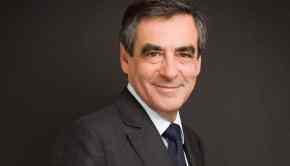 François Fillon, candidat à la présidence de l'UMP, pose ici à l'Assemblée Nationale.