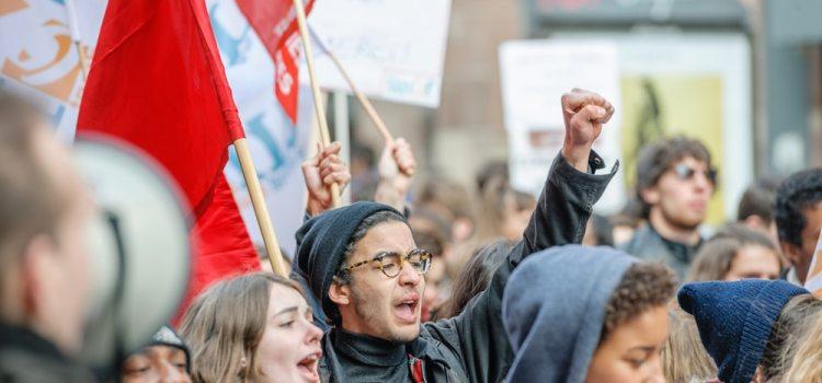 Quiz thématique – Grève & manifestation en anglais