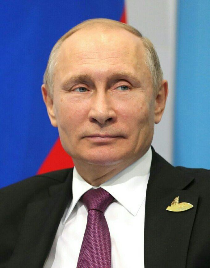 Vladimir Poutine a voulu promulguer la liberté d'expression grâce à une loi.