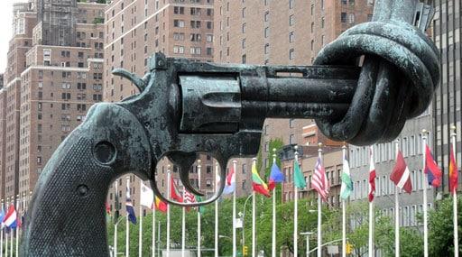 Quel pays s'est exprimé pour un durcissement pour les conditions d'acquisition d'armes ?