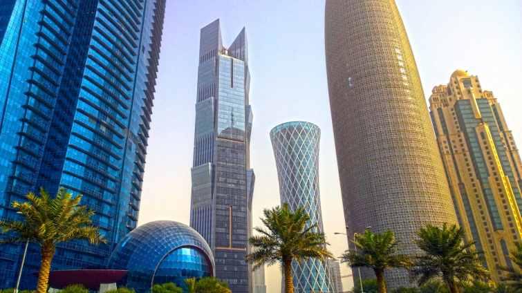 Quel est le montant total des contrats signés entre la France et le Qatar ?