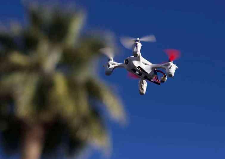 Quelle est la nationalité de la base attaquée par des drones en Syrie ?