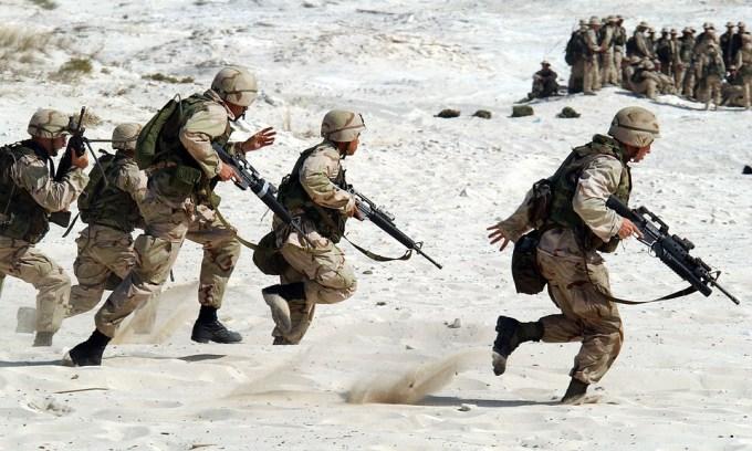 Les troupes britanniques se sont retirées de la zone proche de l'Iran à cause du Covid-19.