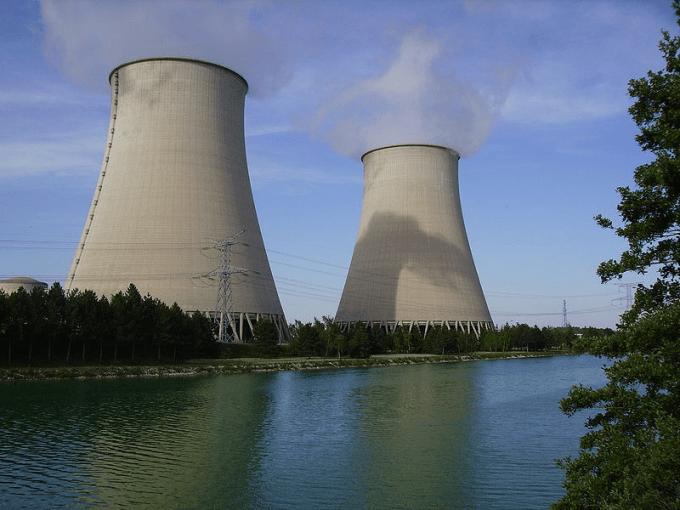 Quel pays a décidé de se retirer de l'accord sur le nucléaire iranien ?