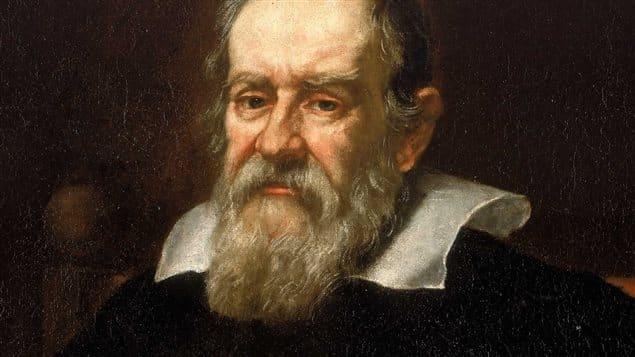 A quelle théorie scientifique associe-t-on Galilée ?