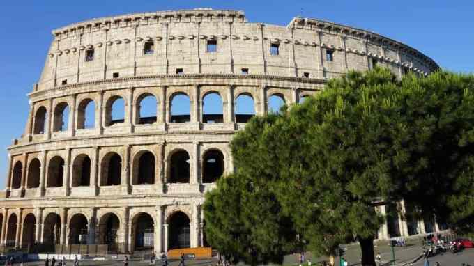 Quel géant du luxe a été accusé de fraude fiscale en Italie ?