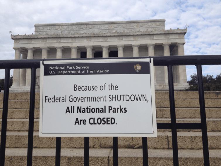 Le shutdown le plus long aux États-Unis avait eu lieu en...