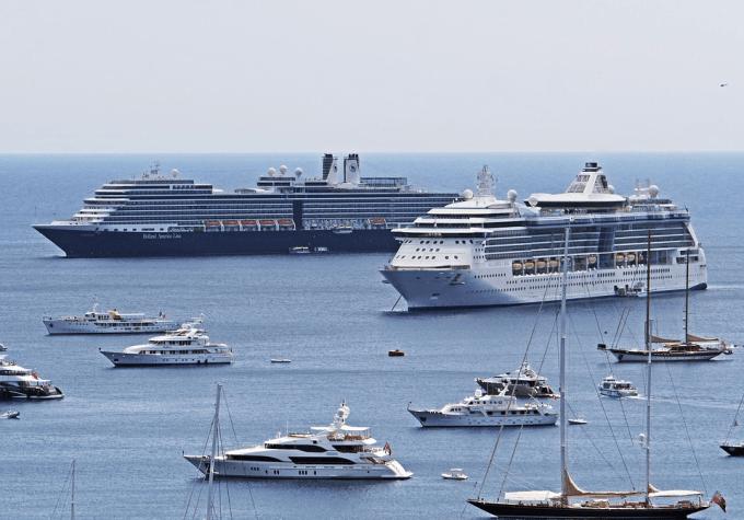 La France proposera un renforcement des normes anti-pollution de l'air pour les navires...