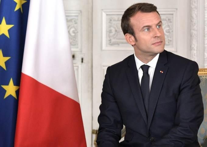 Dans quel pays Emmanuel Macron s'est rendu mercredi soir ?