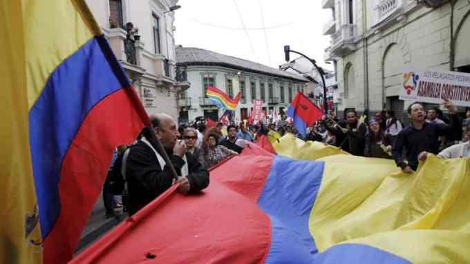 L'ancien président de l'Équateur a été condamné à huit ans de prison pour corruption.