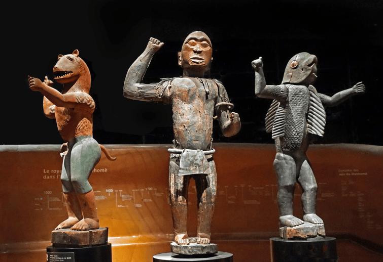 Les 27 œuvres rendues au Bénin ont été restituées à titre...