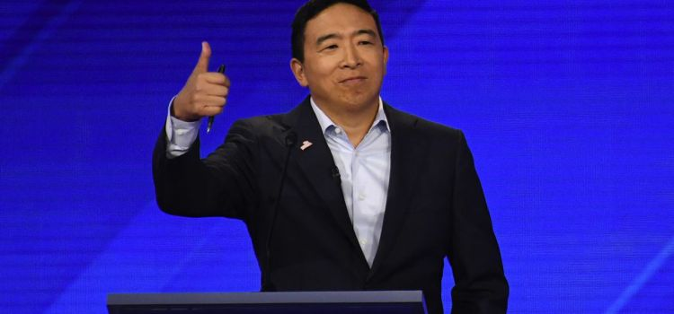 Andrew Yang : the outsider