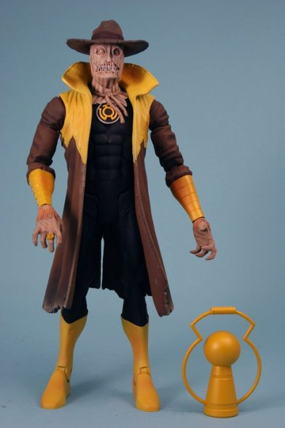 "Yellow Lantern Scarecrow will actually come with a ""Hal Jordan"" battery in yellow to be comic accurate."