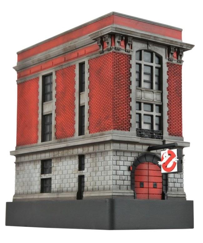 FirehouseStatue1