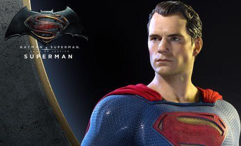 dc-comics-batman-v-superman-superman-half-scale-polystone-statue-prime-1-feature-902664