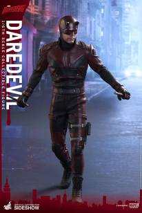 marvel-daredevil-sixth-scale-hot-toys-902811-01