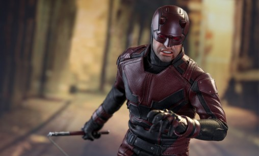 marvel-daredevil-sixth-scale-hot-toys-feature-902811