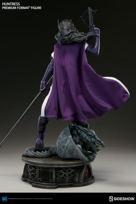 dc-comics-huntress-premium-format-300288-06
