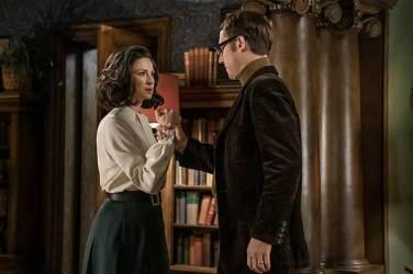 Caitriona-Balfe-(Claire-Randall-Fraser),-Tobias-Menzies-(Frank-Randall)--Outlander-Season-3