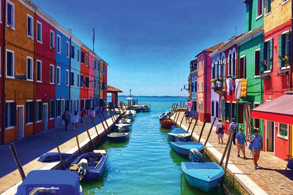 colorful houses murano and burano