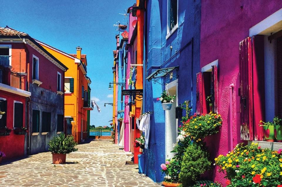 cobblestone streets murano and burano