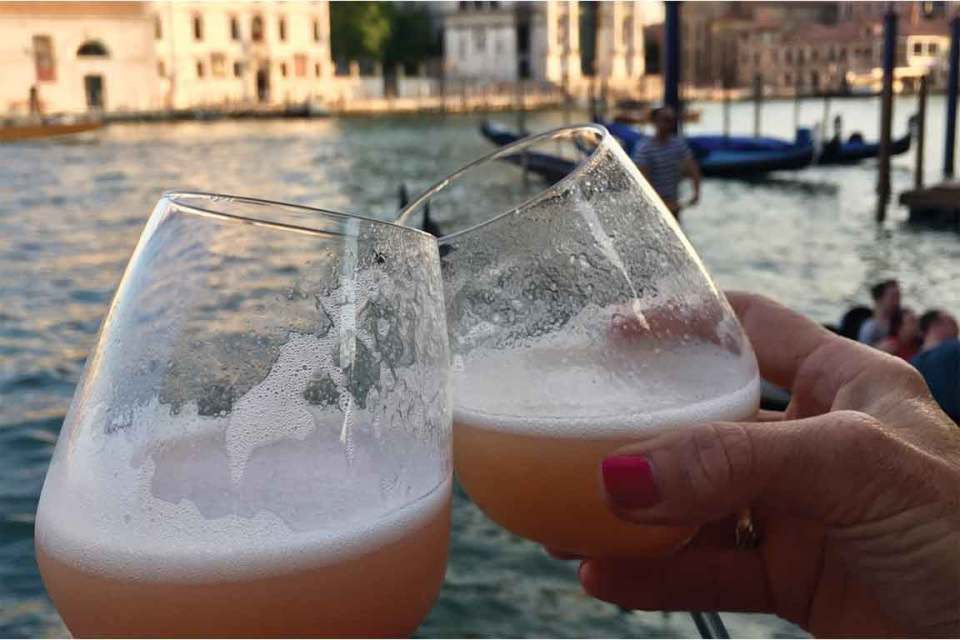 Best things to do in Venice Italy Peach Belinis