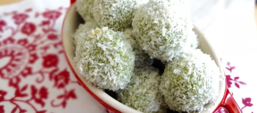 Onde onde - Must Try Malaysian Desserts | Ummi Goes Where?