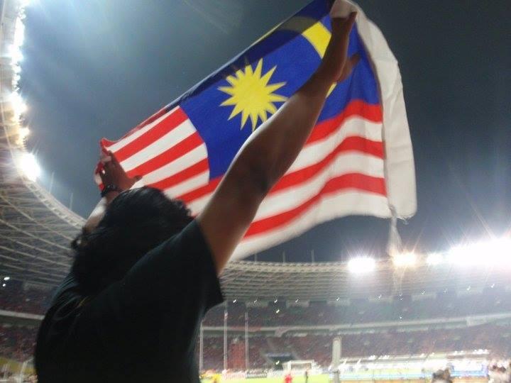 13934646 1067492236621389 5222315159277077812 n Kisah Rakyat Malaysia Kibar Bendera di Gelora Bung Karno