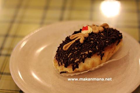 kue roti coklat mini sampan meses