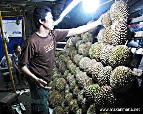 Durian Medan Juntak Margana