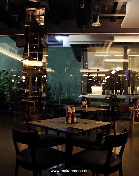 Opal Coffee Cafe & Resto 10