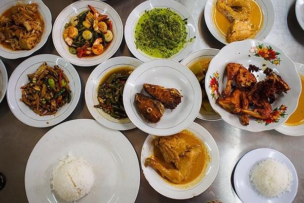 Rumah makan Pondok Gurih 1