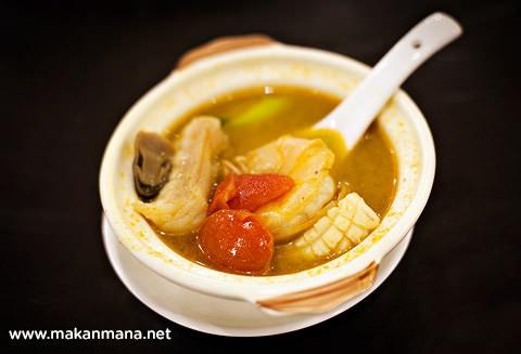 Golden Dragon sup tomyam